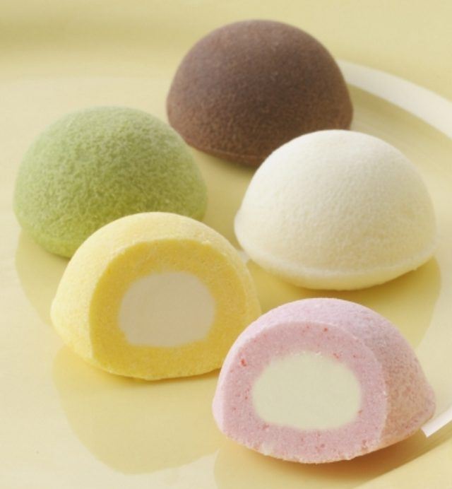 画像: 商品名:「スプリングコロール」(■) 価 格: <3種3個入>¥350(税込¥378)、 <5種6個入>¥500(税込¥540)、 <5種12個入>¥1,000(税込¥1,080) 特 長: コロコロ可愛いひと口サイズのクッキー。焼きチョコ生地の中にチョコクリームを入れました。