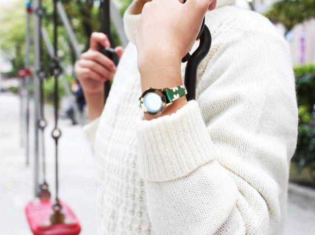 画像: ■プリントシリーズ デイジー■ 商品説明 女子の定番、デイジー柄のベルトが7色の春カラーで登場。 ブレスレット感覚で、コーディネートのアクセントにぴったりなベルトです。 価格   :¥2,500+税 カラー  :イエロー/ブルー/グリーン/ミントグリーン/ネイビー/ ピンク/グレー サイズ  :10-8mm/12-10mm/14-12mm 長さ/厚さ:110-65mm/3mm 品番   :FIFGC013 素材   :合成皮革 スタイル :クリップタイプ 発売日  :4月発売