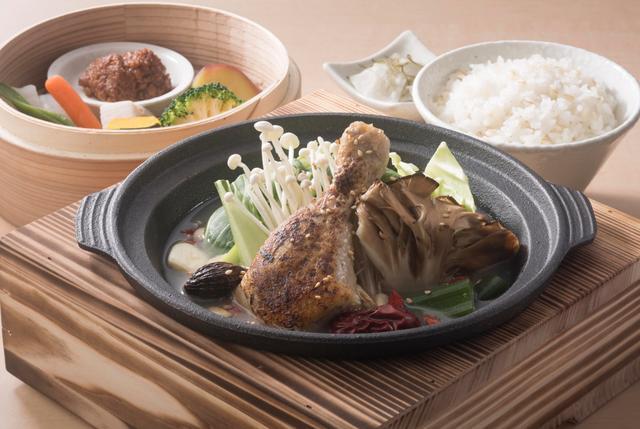 画像: 温野菜 GOZEN「12種の薬膳でからだ温まる薬膳鶏鍋定食」