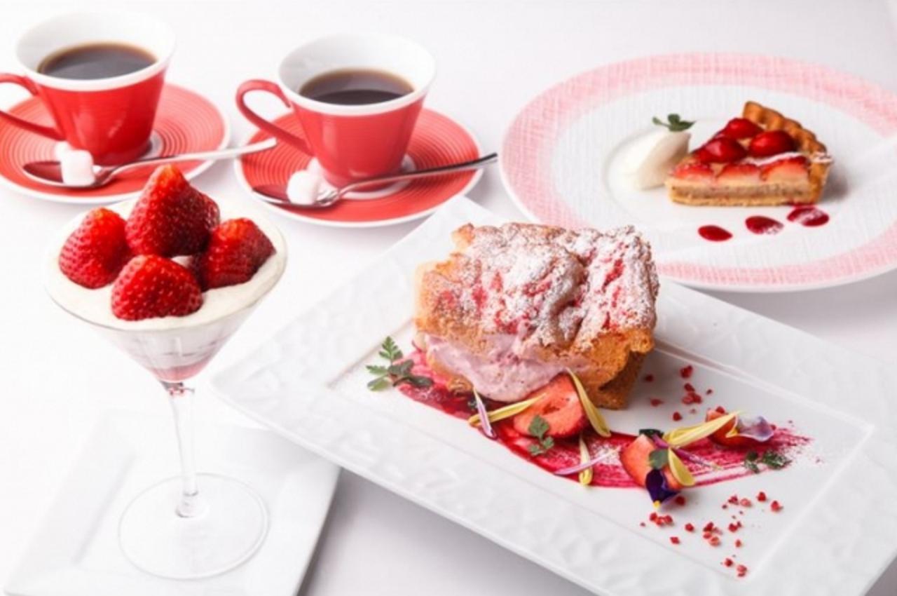 画像: <その他の「あまおう」メニュー> ■あまおう苺のフルーツタルト  ¥650円 あまおう苺をシンプルにタルトに仕上げました。素材の味が引き立つ一品です。 ■あまおう苺のミルキーパフェ ¥800 あまおう苺を贅沢に使用し、練乳を使用したミルキーソースと合わせました。 中にはチョコブラウニーと、ストロベリーソースが入っています。 ※3月3日よりスタート