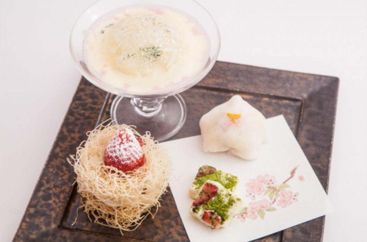 画像: 【1日限定7食】福岡県産あまおう贅沢和甘膳~苺華~ ¥730 「ミントミルク苺とバニラアイス」や「桜と柚子カスタードクリームの苺大福」、「あまおうのホワイト生チョコレート」、「あまおうの巣篭りミルフィーユ仕立て」などあまおうをふんだんに使用した和の甘味を盛合せました。