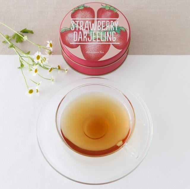 画像: ■商品名:ストロベリーダージリン ■価格:790円(税込) ■販売開始:2月25日(木)~3月30日(水) ■商品説明:苺をイメージしたダージリンのフレーバーティーにミントをブレンド。ほんのりミントが香るすっきりと甘い春の紅茶です。 ※画像はテイクアウト商品(税込 1,080円)です
