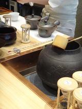 画像: 茶器が勢ぞろい!
