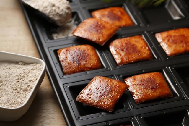 画像: 「グラハムトースト」 小麦本来の力強い風味や食感を楽しめる、「全粒粉」を生地にまぜてつくり上げた焼き菓子です。 5個入り:650円(税抜)
