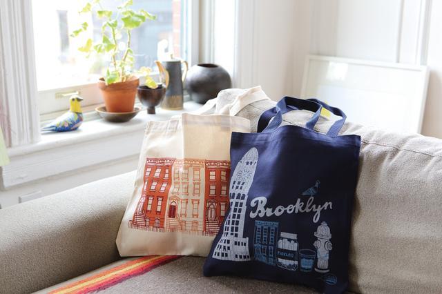 画像: ブルックリンで活動するデザイナーがニューヨークフェアのために描きおろし。本人も来日!「クローディア・ピアソン」トートバッグ各4,860円