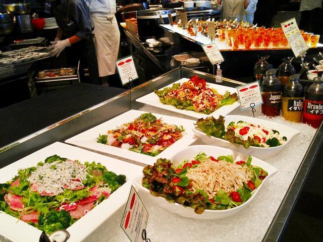 画像1: さっそく伊勢志摩の食の魅力あふれるブッフェ台へ♪