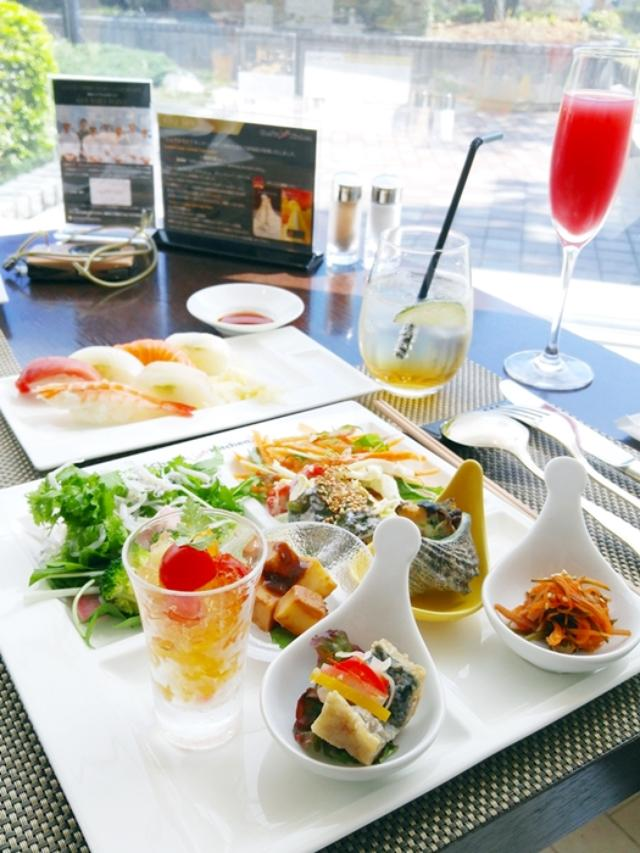 画像4: さっそく伊勢志摩の食の魅力あふれるブッフェ台へ♪