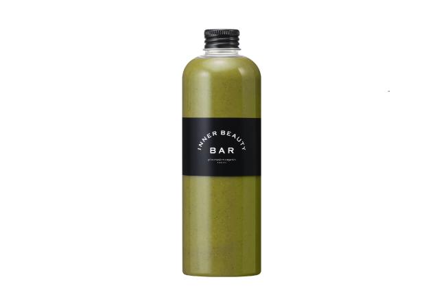画像: Green Smoothie : Summer Herbal Green 商品名称 サマーハーバルグリーン 300mL×2本 単品購入可 ※単品の場合は Rsize 700円(税抜)/Lsize 900円(税抜) カルシウム&鉄分が豊富で美肌効果も高く、イライラを防ぐパセリは、消臭効果も◎でジメジメと汗ばむ季節にぴったり。ダイエットに欠かせない睡眠をサポートするハーブや、古くなった角質をスムーズに剥がしてターンオーバーを促すグレープフルーツも入った、すっきりとした一品。 パセリ/バジル/ミント/レモングラス/グレープフルーツ/パイナップル/バナナ 【リフレッシュ】【ストレスケア】