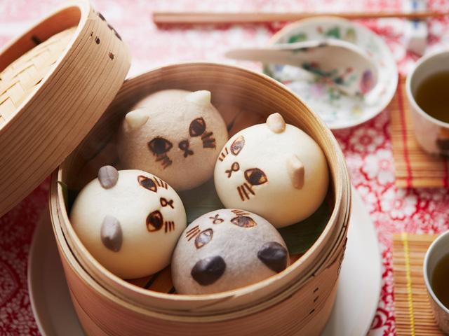 画像: 【NEW】スウィーツ仕立てのふんわかボディー 猫のニャムチャ【3ヵ月コース】 1本  ¥3,200(+8% ¥3,449)※うち77円は「フェリシモの猫基金」として運用されます。(基金部分は非課税) ・セット内容/スウィーツまん8個(味違い2種、各4個) ・賞味期限/製造日から冷凍で365日 (製造加工:日本) ※商品の特性上、不良品以外の交換・返品はお受けできません。 ※1回のお申し込みで3ヵ月分のご予約となり、月々のお申し込みは不要です。 ※猫ちゃんには食べさせないでください。 ・お申し込み締め切り:2016年7月10日(日) ・お届け時期:2016年7月~9月(各月下旬)