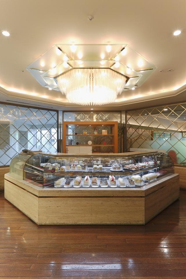 画像2: 静岡県産マスクメロンを贅沢に使用したメロンショートケーキの究極版が登場!
