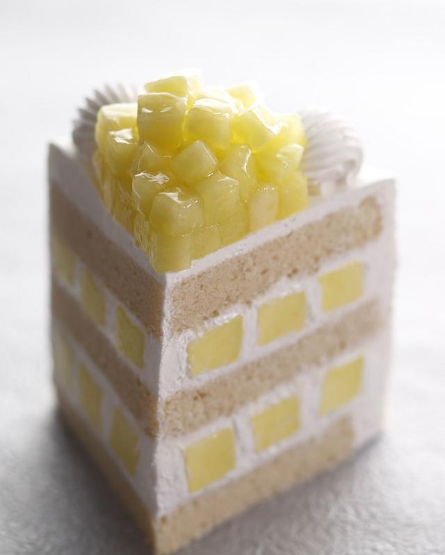 画像1: 静岡県産マスクメロンを贅沢に使用したメロンショートケーキの究極版が登場!