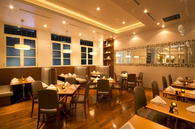 画像1: ニューヨーク発祥の人気レストラン「サラベス」品川店2周年記念ディナーコース!