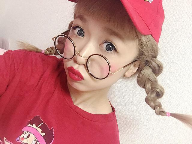 画像2: 渋谷109「Swankiss」のカリスマ店員 「ひかぷぅ」コラボの「まるめがね」と カリスマ ママブロガー「とみmama」 プロデュースのフラワー水着