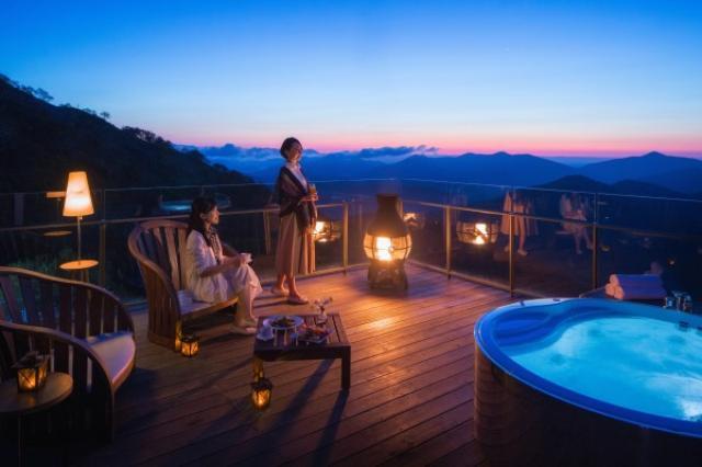 画像: 秋だけの絶景を独り占めできる「雲海露天風呂」