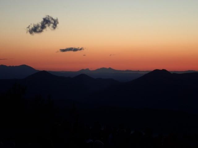 画像: 雲海とお月見を楽しめる夕方から夜にかけての特別体験