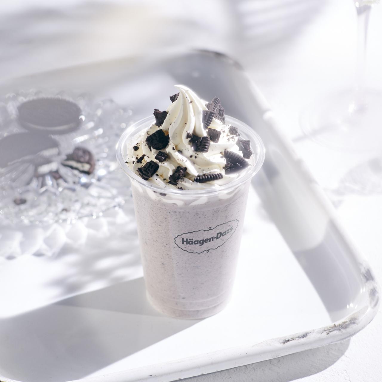 画像: クッキー&クリーム シェイク with Häagen-Dazs cookies&cream ice cream ¥480(税抜き)