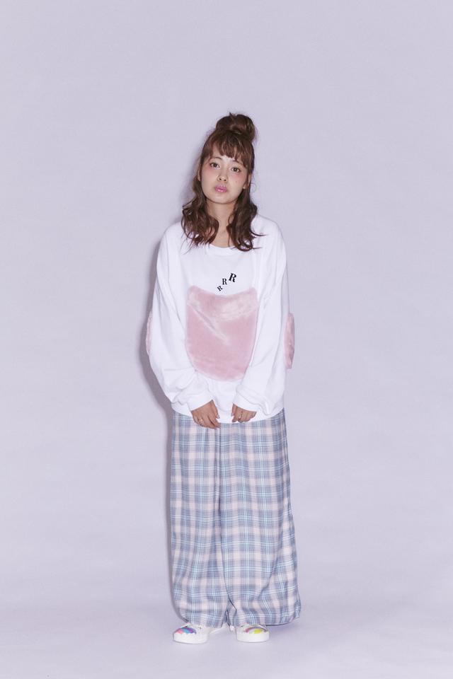 画像: PINK FUR POCKET SWEAT ¥6800+tax