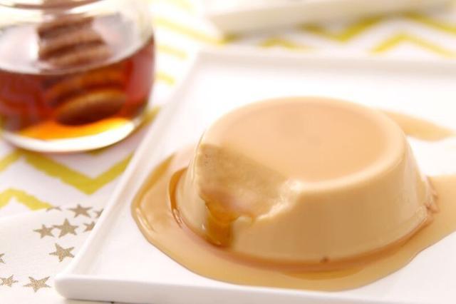 画像: ケベック産のメープルシュガーを使用した口当たりなめらかなプリンをお楽しみ下さい!