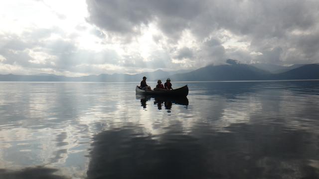 画像1: 水深260mの湖の上で朝のティータイムが楽しもう!