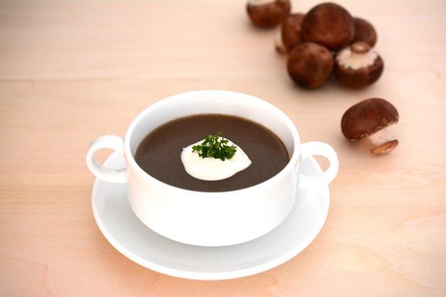 画像: 【ほうじ茶×きのこ】 静岡県産の茶葉を職人技でじっくり焙煎し、ほうじ茶に仕上げました。粗めに挽いたほうじ茶とマッシュルームが香ばしく優しい味わいです。
