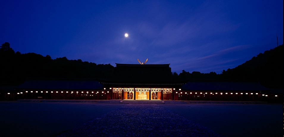 画像1: 橿原神宮 夜間正式参拝と文華殿 饗膳
