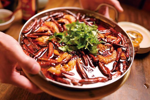画像: 四川伝統 激辛牛肉煮込み 1,382円(税込)