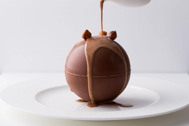 画像2: パティスリー界のピカソ、ピエール・エルメのショコラデザートを心ゆくまで!