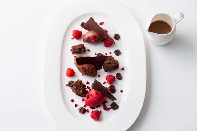 画像3: パティスリー界のピカソ、ピエール・エルメのショコラデザートを心ゆくまで!