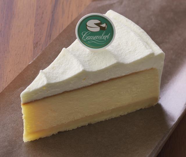 画像: 「濃厚ベイクドカマンベール」 価 格: ¥450(税込¥486) 販売期間: 2016年11月1日~12月16日 特 長: 北海道十勝産カマンベールを使用して、甘さ控えめ、濃厚な味わいに仕上げました。チーズのコク&生クリームのまろやかさが見事にとけ合います。