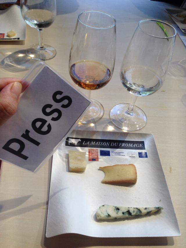 画像: ワインとチーズのワークショップへ!