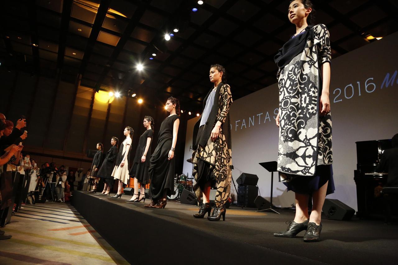 画像1: 東京発、世界へ羽ばたく最新ファッションコレクション