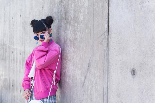 画像: ■相羽瑠奈(AIBA RUNA)プロフィール 『RRR BY SUGAR SPOT FACTORY』 Creative Director/Designer 1996年生まれの20歳。16歳より雑誌の専属モデルとしてデビュー。原宿を中心としたファッションアイコンとして独自の感性で人気を誇り、インスタグラムのフォロワー数は8万人を超える。2016年4月にバンタンデザイン研究所在学中よりオリジナルブランド『RRR(アール)』をスタート。セレクトショップ『RAINBOW SHAKE(レインボーシェイク)』を期間限定でラフォーレ原宿に出店。さらには、新宿伊勢丹にてアートフレームディレクションをするなどファッション、インテリア、フードスタイリングなど様々な分野のクリエイティブデザインを得意としている。 Twitter: https://twitter.com/runarunaroom Instagram: https://www.instagram.com/una_monster/ 『RRR BY SUGAR SPOT FACTORY』オフィシャルWEB SHOP: http://sugarspotfactory.com 同Instagram: https://www.instagram.com/rrr.by.sugar.spot.factory/ www.instagram.com