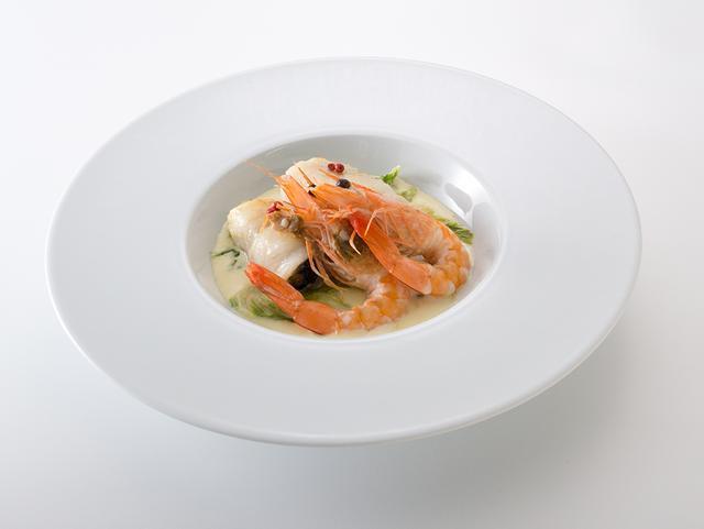 画像: 舌平目で巻いた牡蠣 天使の海老と白菜のエチュベ添え