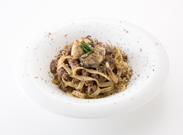 画像: 牡蠣とポルチーニ茸 牡蠣のタリアテッレ トリュフ添え