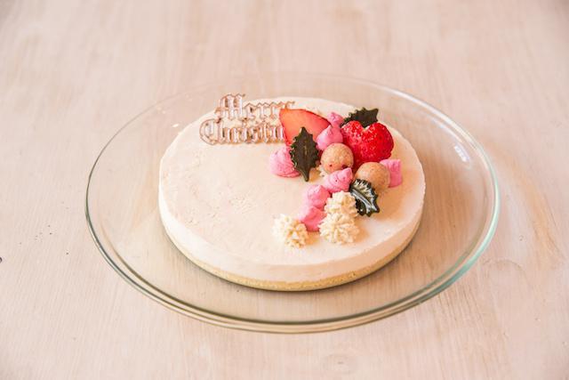 画像: Raw クリスマスレアチーズケーキ ¥4,200 チーズ、乳製品を使用していないとは思えないチーズケーキ。爽やかな口どけをお楽しみください。
