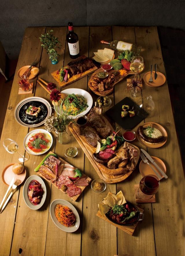 画像: 定番BBQからサラミ、ハム、鴨の燻製まで肉づくし!