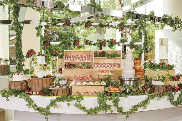 画像1: 苺畑をイメージしたデザートブッフェ「ストロベリー・フィールド」
