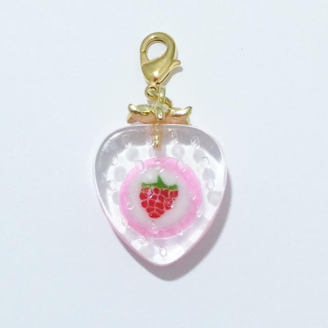 画像: 飴のチャーム「イチゴ型イチゴ」約7g 972円(税込)