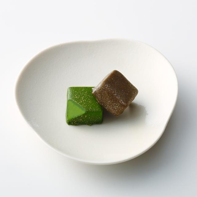 画像2: 祇園辻利自慢の抹茶とほうじ茶、それぞれの豊かな風味を堪能できるとっておきのチョコレート。