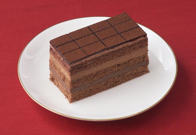 画像: 価 格: ¥500(税込¥540) 販売期間: 2017年2月1日~2月14日 特 長: 人気の生チョコレート「銀座のレンガ」をイメージしてつくりました。雪のようにとけていくチョコ生クリーム&チョコレートムースの繊細な口どけとまろやかさ。ミルクチョコガナッシュの食感もお楽しみいただけます。
