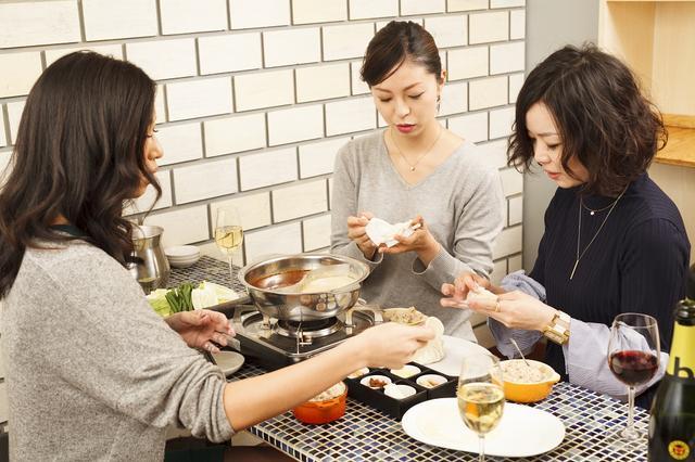 画像2: 進化系餃子の元祖「立吉餃子」から「いちご大福餃子」を期間限定で販売