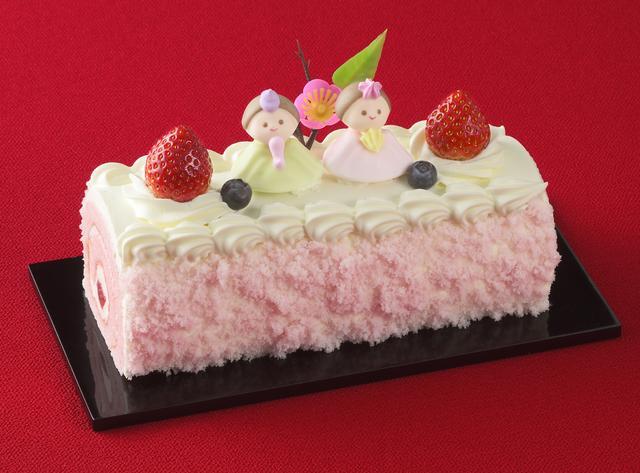画像: 価 格: 長さ19cm、約4人分/¥1,900(税込¥2,052) 特 長: ほんのりピンク色の苺風味スポンジで、甘酸っぱい苺ジャムと苺風味生クリームをふんわりと巻きました。ひなまつり限定、春のロールケーキです。