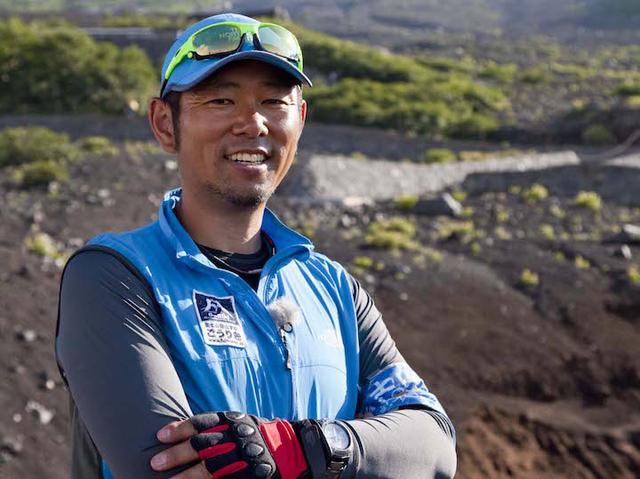 画像: 近藤光一氏 1967年山梨県富士吉田市生まれ。富士山登山学校ごうりき代表。登頂回数600回以上、富士登山ガイド歴19年。富士山登山の本質的な魅力を伝えることをモットーに、参加者の安全管理に配慮したツアーで富士山信仰の歴史や文化を含めたガイドを行う。2016年エコツーリズム大賞、総務省ふるさとづくり大賞総務大臣賞受賞。