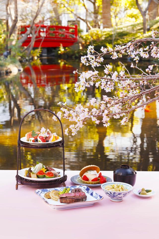 画像: 日本庭園内の桜景色を望みながら楽しむ、お花見ランチ 「花篭ステーキ御膳」 鉄板焼「清泉亭」(日本庭園内)