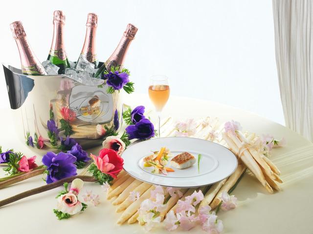 画像: 春を味わう、贅沢なひととき 「プランタン アン ノワール(Printemps en Loire)」フランス料理「トゥールダルジャン」(ザ・メイン ロビィ階)