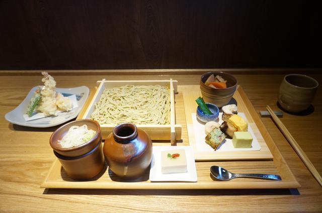 画像1: お昼のメニューを試食!