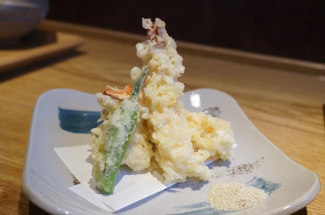 画像: 天ぷらは、海老、舞茸、ししとう、さつま芋
