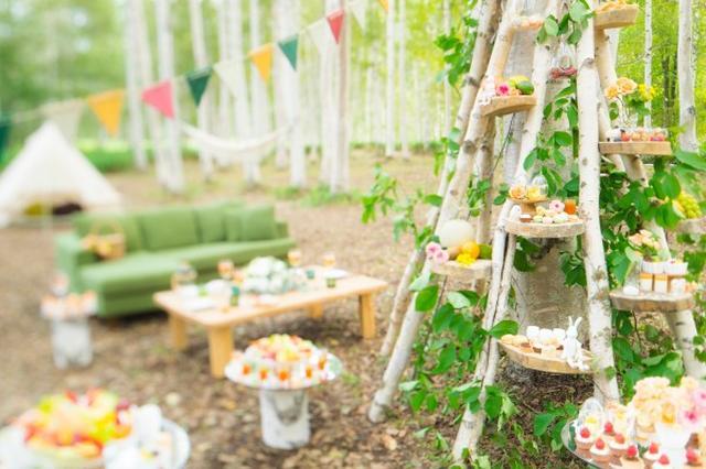 画像2: メインスイーツ「白樺ケーキ」