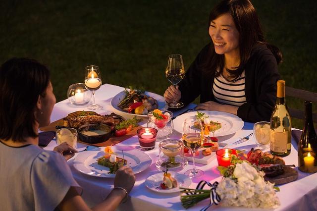 画像: 21時からでも利用可能な夕食で、夜のチェックインをサポートします