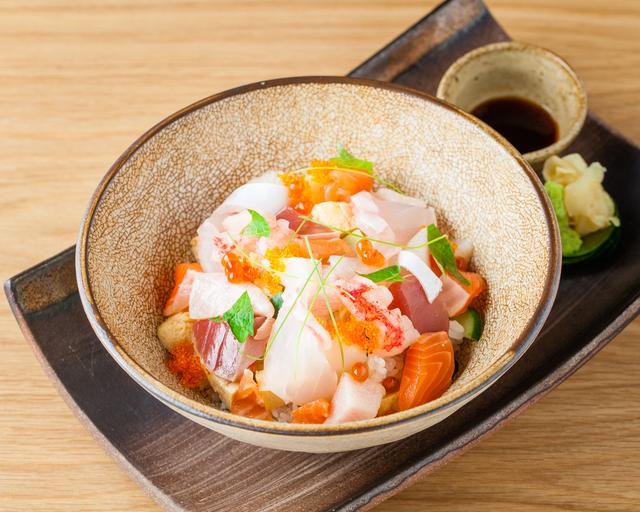 画像: 豪華海鮮ちらし丼